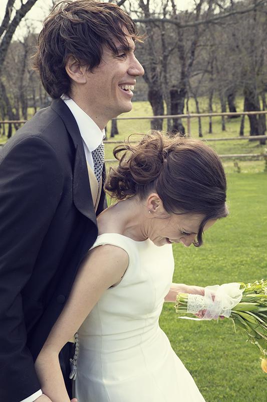 Boda en Finca Prados Moros foto de pareja risas