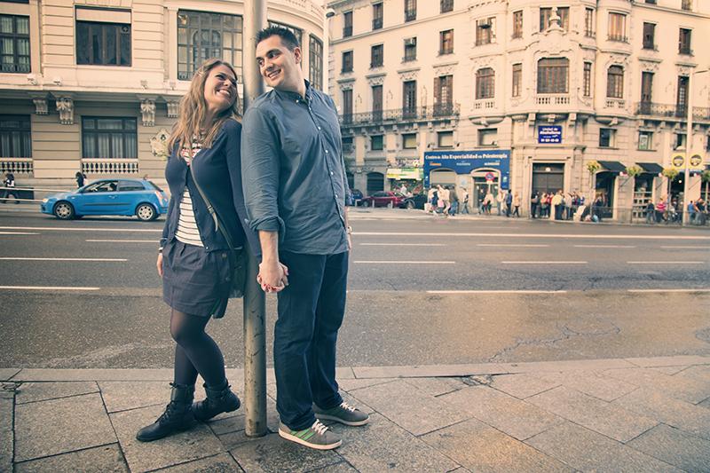 Continuamos nuestro paseo por la Gran Vía Madrileña en un ambiente relajado y emotivo. Pilar y Ruben cada vez se sienten más relajados.
